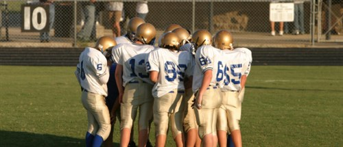 Football -huddle